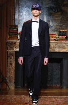 valentino-menswear-fall-winter-2017-paris1
