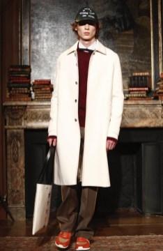 valentino-menswear-fall-winter-2017-paris42