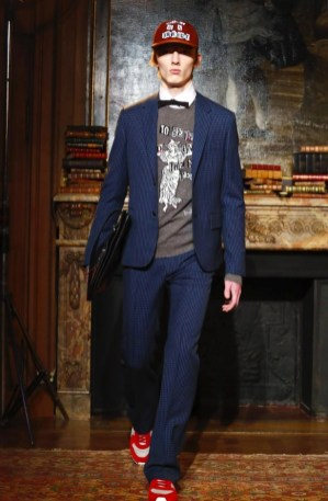 valentino-menswear-fall-winter-2017-paris46