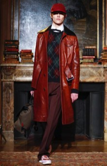 valentino-menswear-fall-winter-2017-paris9