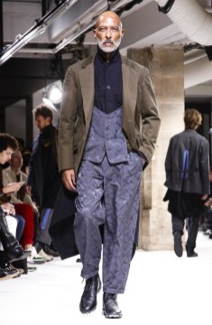 yohji-yamamoto-menswear-fall-winter-2017-paris28