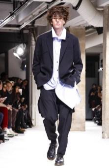 yohji-yamamoto-menswear-fall-winter-2017-paris37