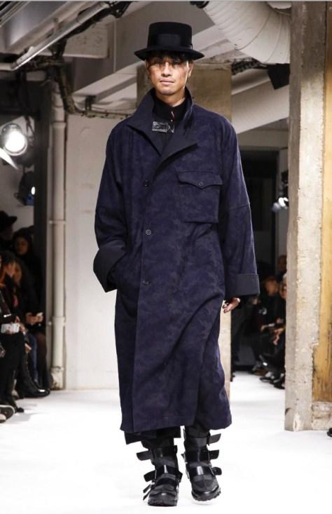 yohji-yamamoto-menswear-fall-winter-2017-paris40