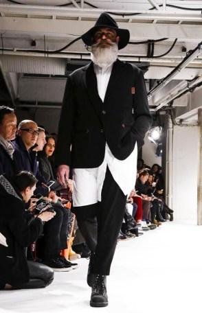 yohji-yamamoto-menswear-fall-winter-2017-paris5