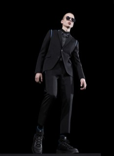 Discover the Dior Homme Fall 2017 collection, exclusively premiered in Tokyo to coincide with the opening of the House of Dior Ginza Six, where the collection is now available until its roll-out in our stores worldwide in May.