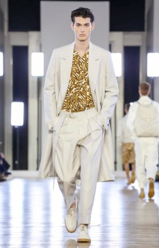 CERRUTI MENSWEAR SPRING SUMMER 2018 PARIS7