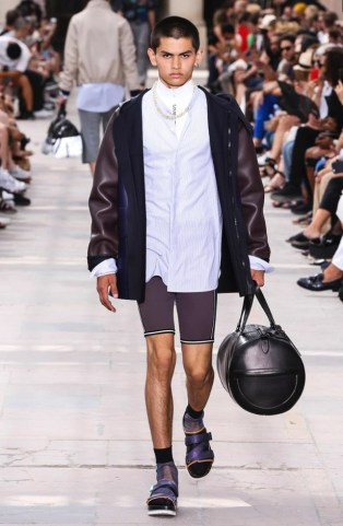 LOUIS VUITTON MENSWEAR SPRING SUMMER 2018 PARIS19