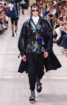 LOUIS VUITTON MENSWEAR SPRING SUMMER 2018 PARIS30