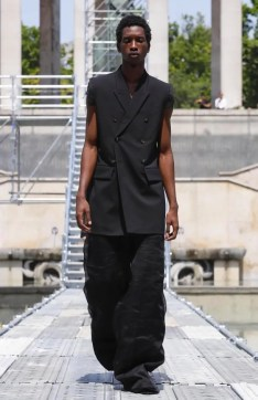 RICK OWENS MENSWEAR SPRING SUMMER 2018 PARIS36