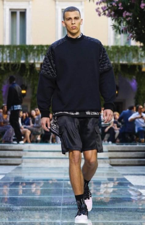 VERSACE MENSWEAR SPRING SUMMER 2018 MILAN26
