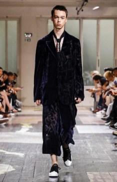 YOHJI YAMAMOTO MENSWEAR SPRING SUMMER 2018 PARIS10