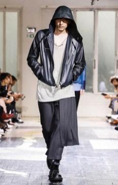 YOHJI YAMAMOTO MENSWEAR SPRING SUMMER 2018 PARIS18