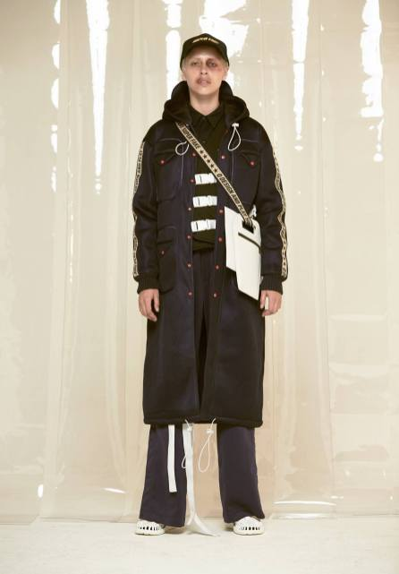 Q DESIGN AND PLAY AW17 SUPERFAKE21