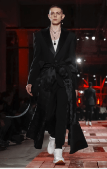 ALEXANDER MCQUEEN MENSWEAR FALL WINTER 2018 PARIS27