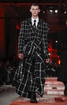 ALEXANDER MCQUEEN MENSWEAR FALL WINTER 2018 PARIS28