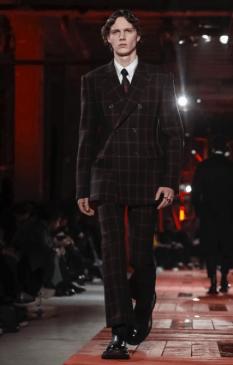ALEXANDER MCQUEEN MENSWEAR FALL WINTER 2018 PARIS29