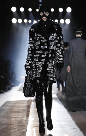 MOSCHINO FALL WINTER 2018 MENSWEAR AND WOMEN PRECOLLECTION MILAN5