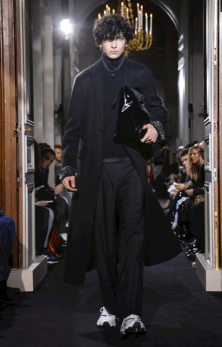 VALENTINO MENSWEAR FALL WINTER 2018 PARIS30