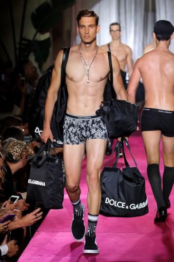 Dolce & Gabbana Naked King Secret Spring Summer 2019 Milan37
