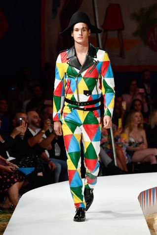 Moschino Menswear Spring Summer 2019 & Women's Resort Los Angeles34