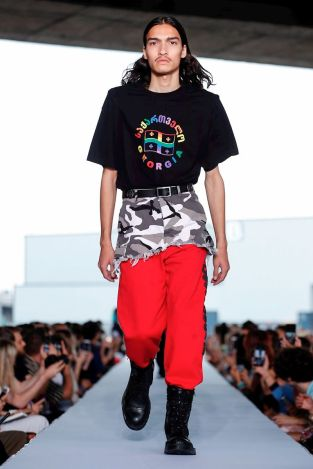 Vetements Ready To Wear Spring Summer 2019 Paris10
