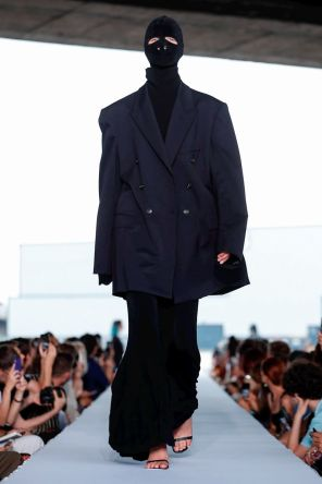 Vetements Ready To Wear Spring Summer 2019 Paris15