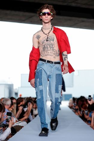Vetements Ready To Wear Spring Summer 2019 Paris26