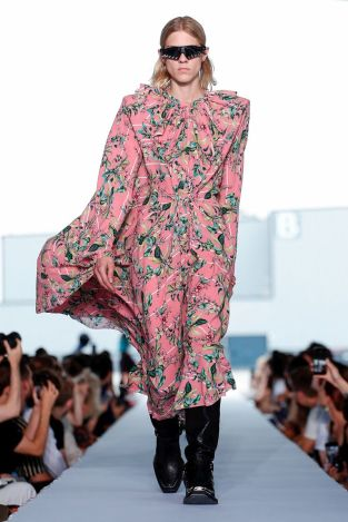 Vetements Ready To Wear Spring Summer 2019 Paris43