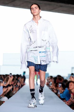 Vetements Ready To Wear Spring Summer 2019 Paris69