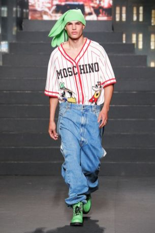 Moschino [tv] x H&M Fall Winter 2018 New York23
