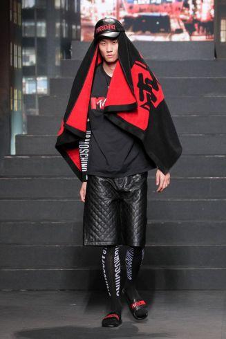 Moschino [tv] x H&M Fall Winter 2018 New York31