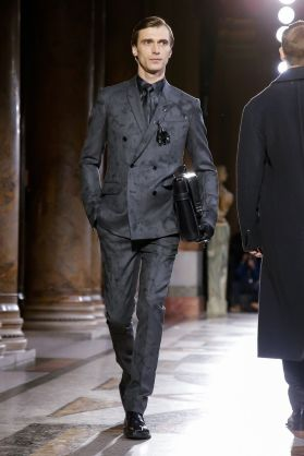 Berluti Menswear Fall Winter 2019 Paris8