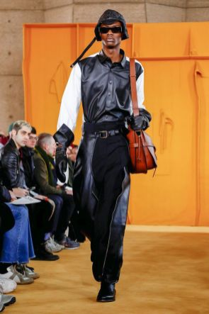 Loewe Menswear Fall Winter 2019 Paris20