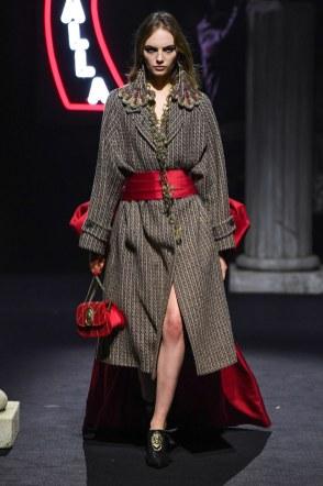 Moschino Menswear Fall Winter 2019 Rome1