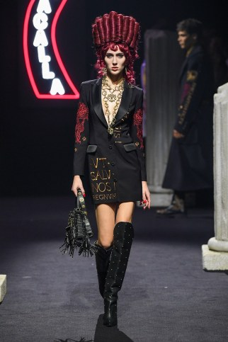 Moschino Menswear Fall Winter 2019 Rome24