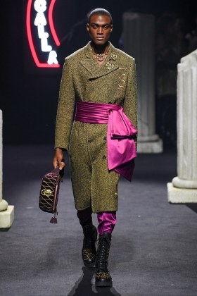 Moschino Menswear Fall Winter 2019 Rome27