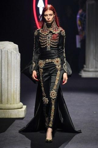 Moschino Menswear Fall Winter 2019 Rome36