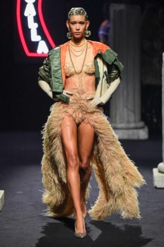 Moschino Menswear Fall Winter 2019 Rome46