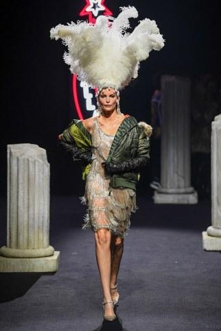 Moschino Menswear Fall Winter 2019 Rome54