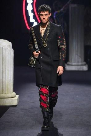 Moschino Menswear Fall Winter 2019 Rome7