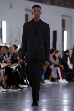 Valentino Menswear Fall Winter 2019 Paris12