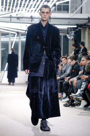 Yohji Yamamoto Menswear Fall Winter 2019 Paris14