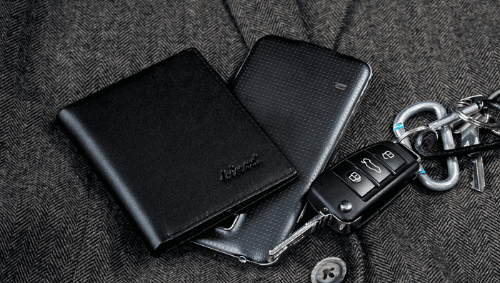 Should I choose a Bifold Wallet or a Trifold Wallet