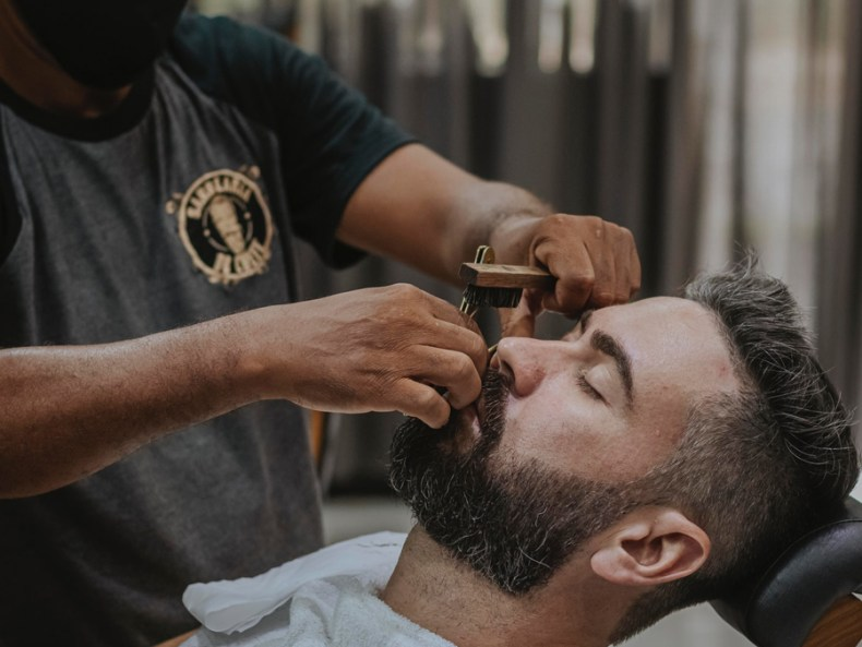 6 Best At-Home Haircut Tips for Men cover