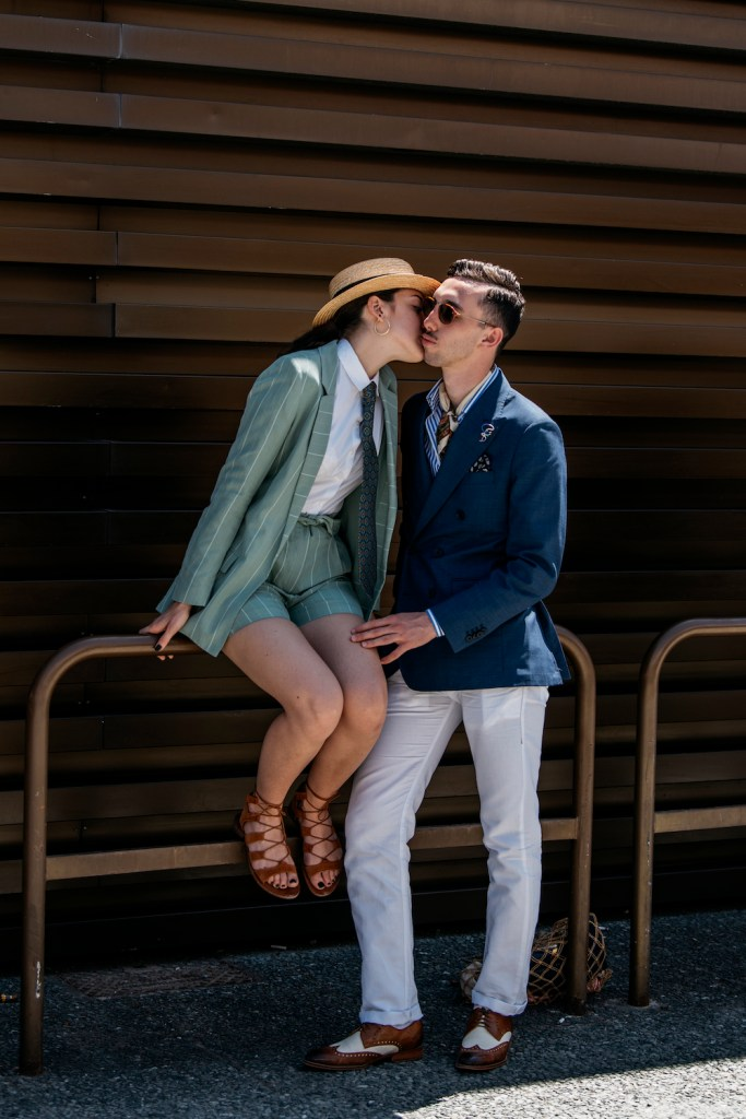 How to Dress Creatively for a Date