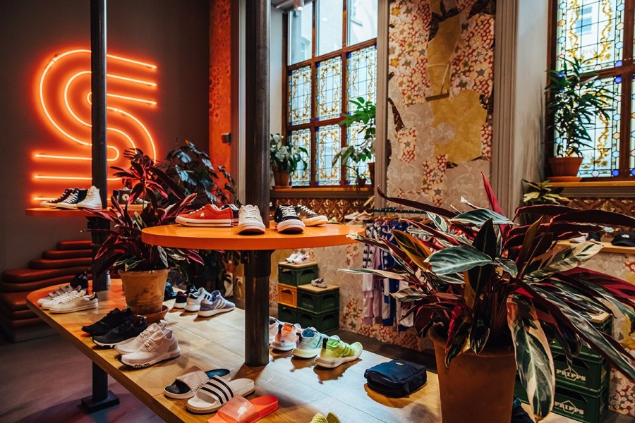 Sneakers stores pic by Julien Tell : Highsnobiety