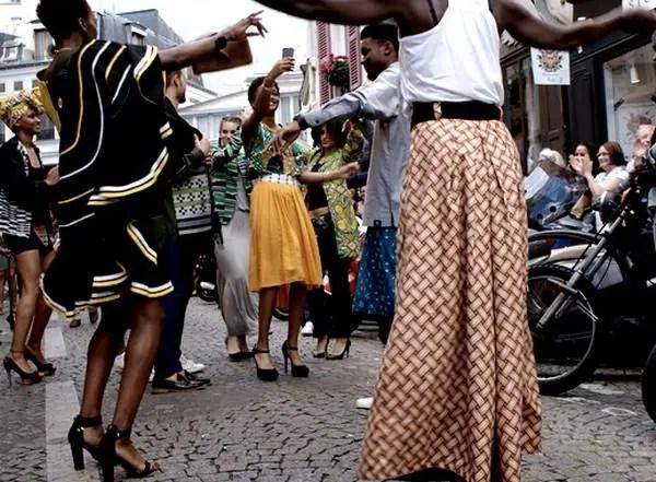 Street Defilé Un peu d'Afrique a Montmartre, June 2015