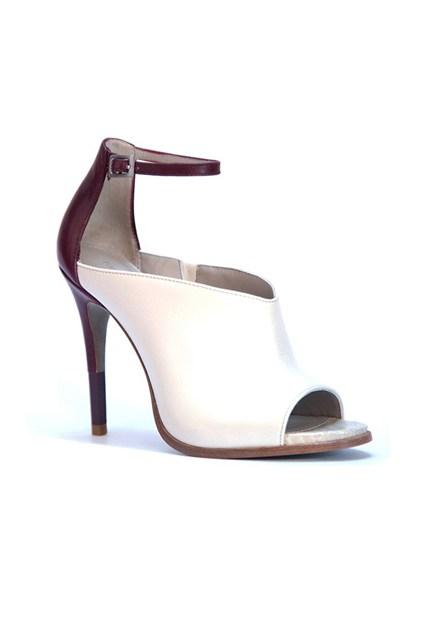 cameron-diaz-shoes-07-vogue-4jan14-pr_426x639