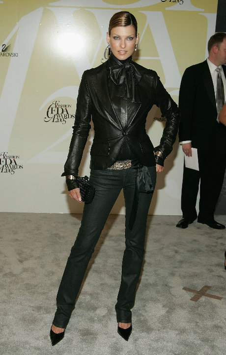 linda-evangelista-leather-jacket-fashion-style