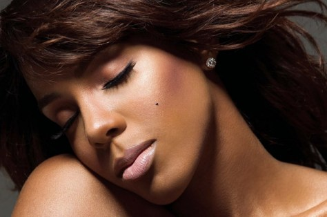 gallery_big_Kelly_Rowland_beauty_mark